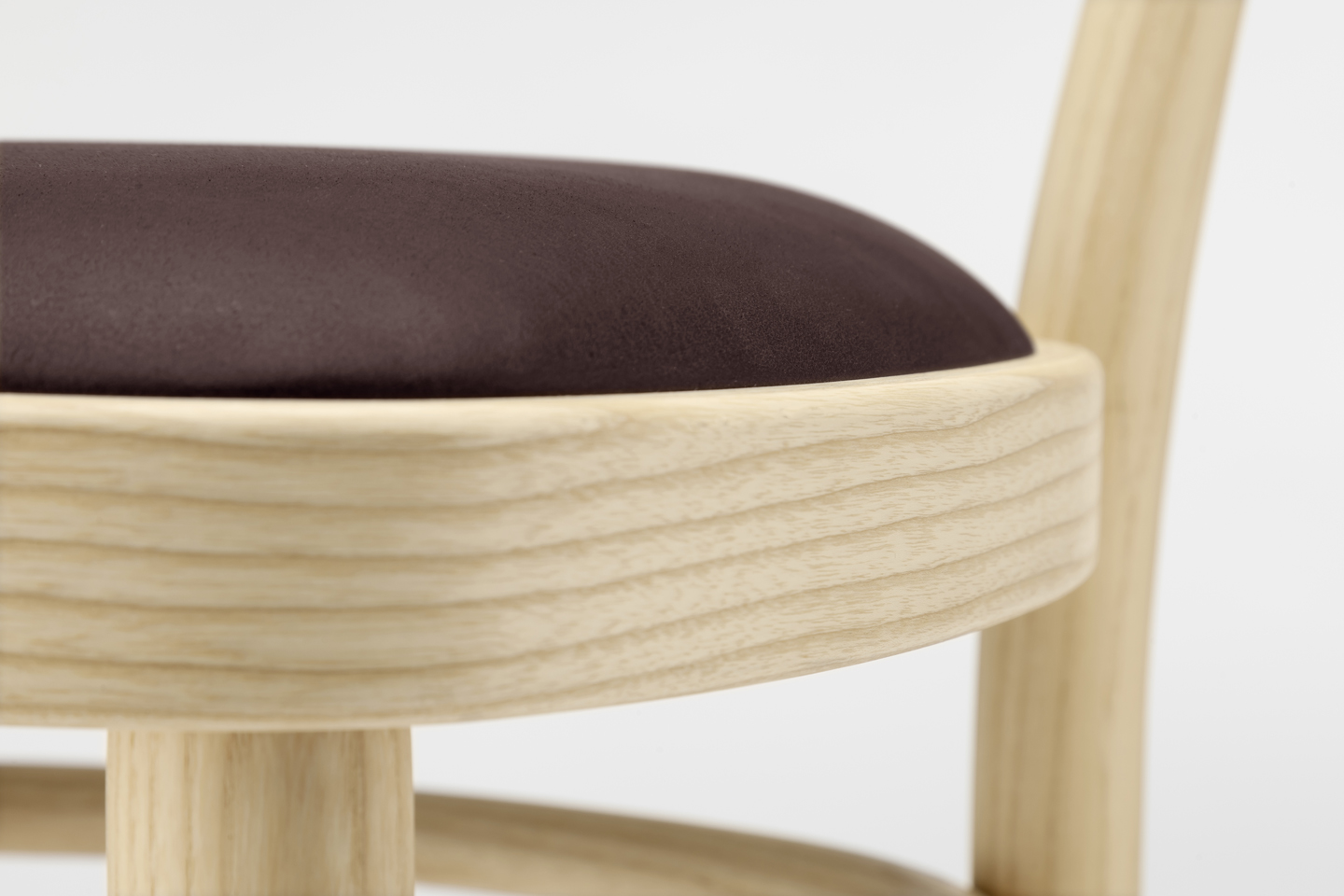 The Famous Coffee House Chair Is An Icon Thonet Chairs